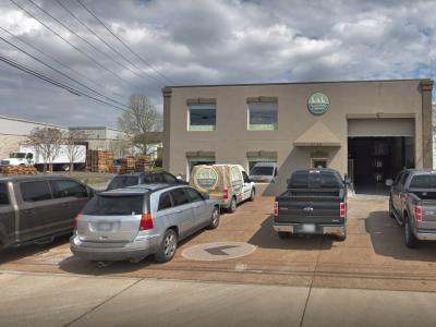 L&L Flooring Company - 468 Craighead St Nashville, TN 37204