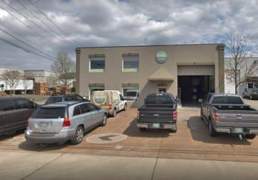 L&L Flooring Company - 468 Craighead St, Nashville, TN 37204
