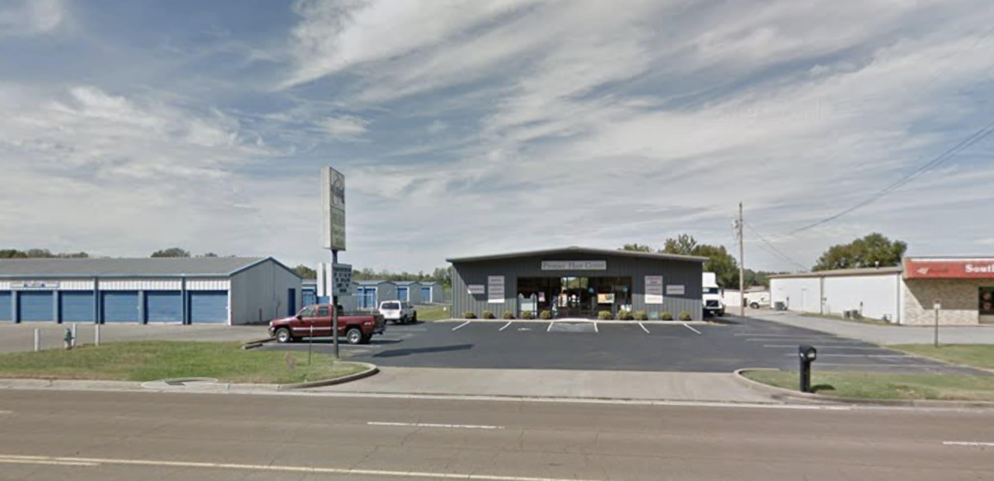 Premier Floor Center - 2003 St John Ave Dyersburg, TN 38024